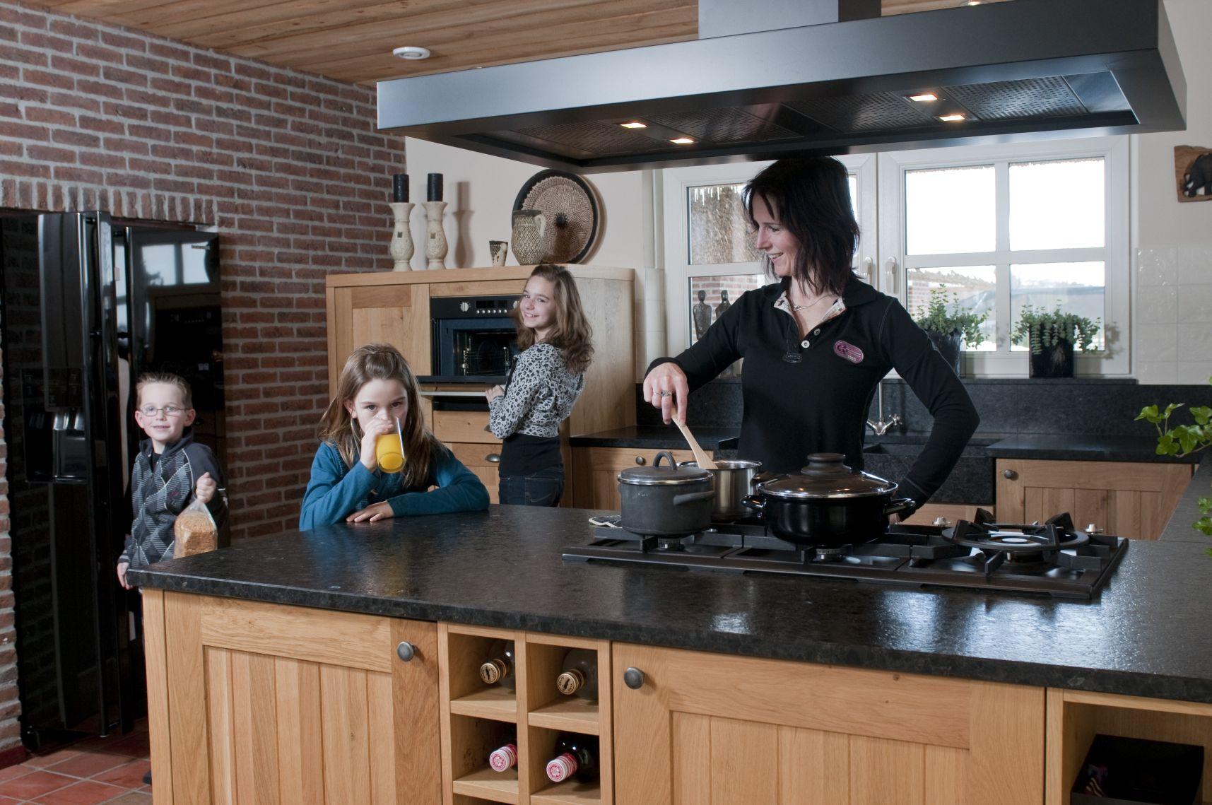 Huizinga keukens zwaagwesteinde