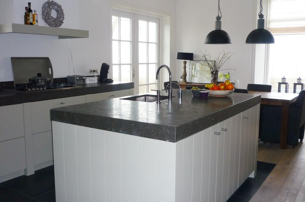 Maatwerk en houten keukens huizenga keukenstyle friesland - Afbeelding van keuken amenagee ...